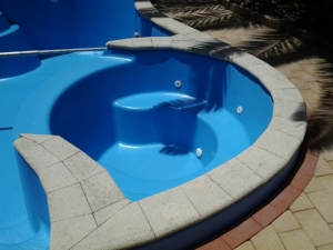 willetton_pool_with_spa_after_reno_2.jpg