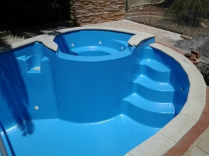 willetton_pool_with_spa_after_reno_4.jpg